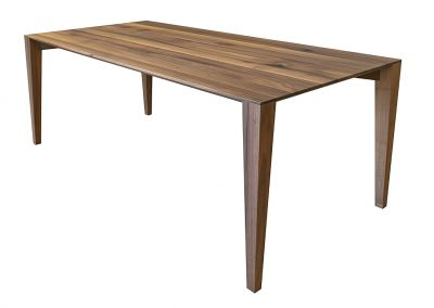 Dining table in european walnut