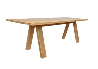 Tisch in Eiche